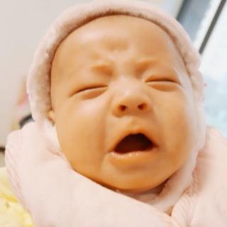 大哭可爱宝宝表情包图片